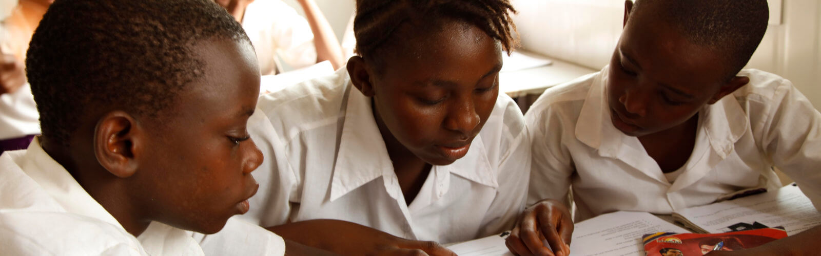 R4D is working with Rising Academy Network to improve student literacy incomes using adaptive learning and experimentation. Rising Academy Network and R4D's Learning Lab team implement adaptive learning experiments in three Junior Secondary Schools in Freetown, Sierra Leone.